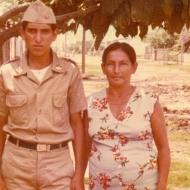 Un soldado visita a su madre